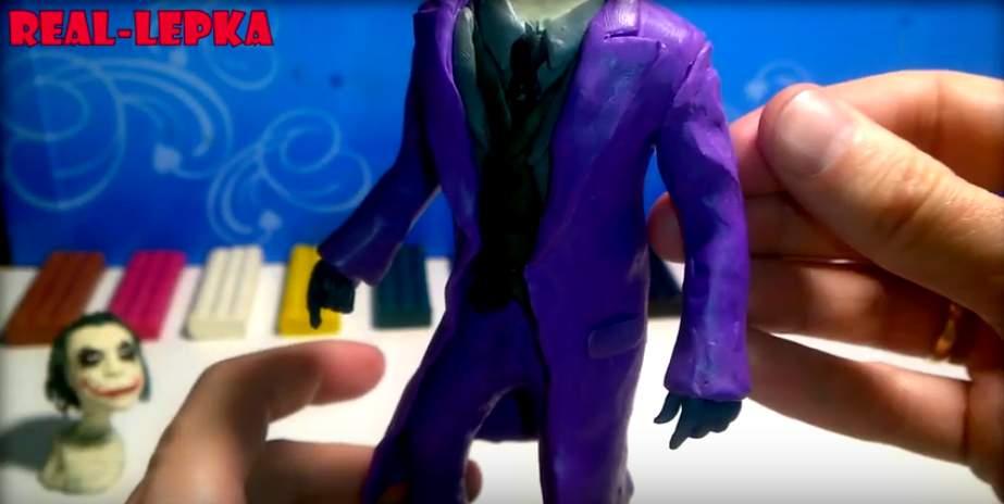Лепим фигурку Джокера 15